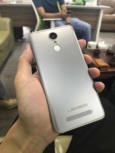 sdf leagoo m5 edge va folosi un display on-cell