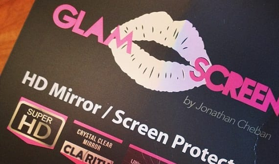 Glam Screen Convierte el teléfono en un espejo para maquillarte con el protector de pantalla Glam Screen