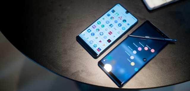 Samsung Galaxy℗ Note 8 vs Essential Phone