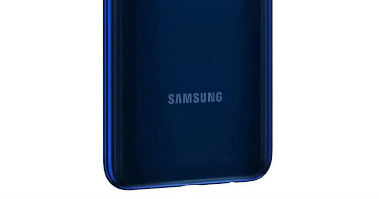 Samsung Galaxy M12 mostra il suo lato B e scopre fotocamera quadrupla e design bicolore (foto)
