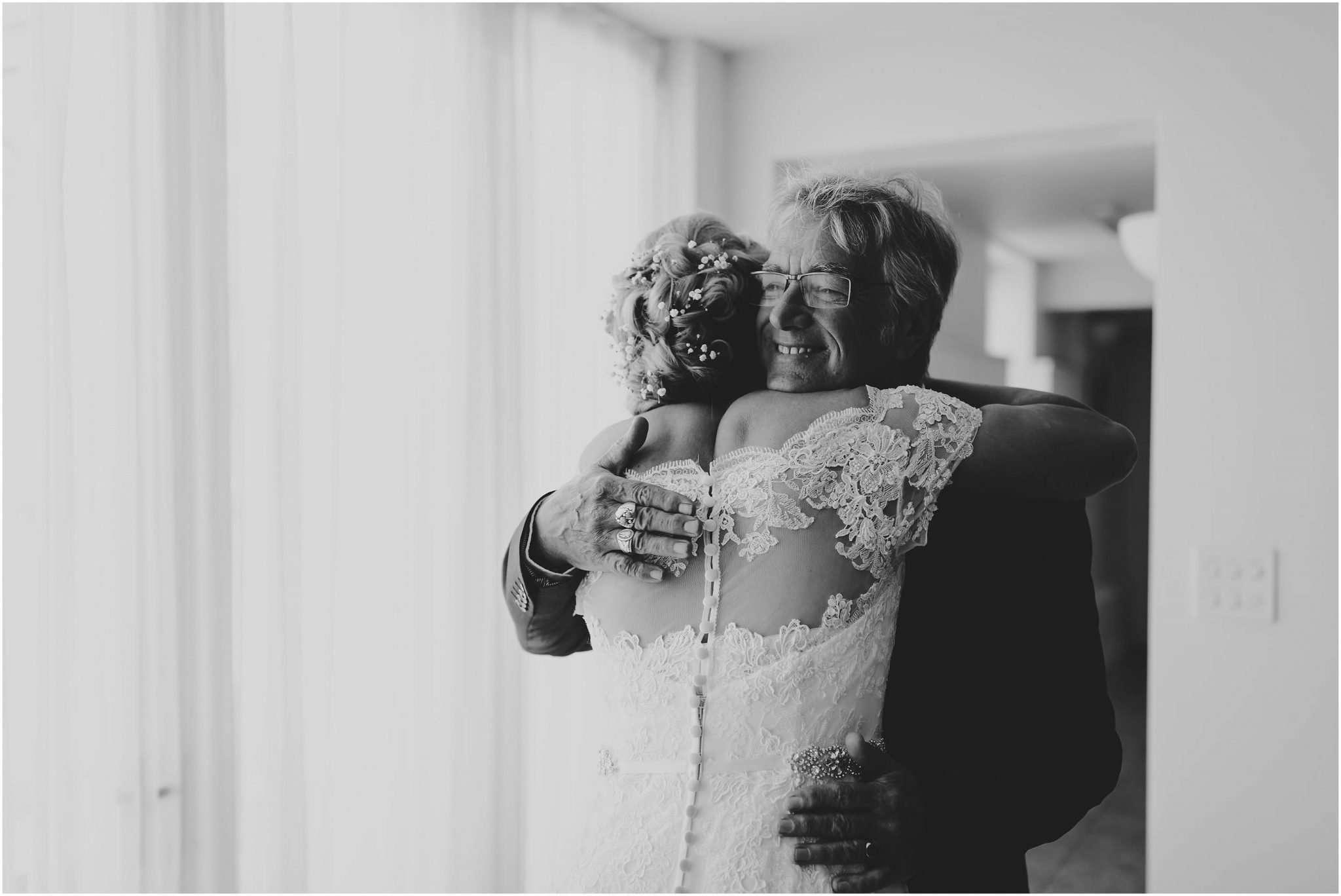 HEATHER AND DAMON ELMS BARN WEDDING - NORWICH WEDDING PHOTOGRAPHER 1