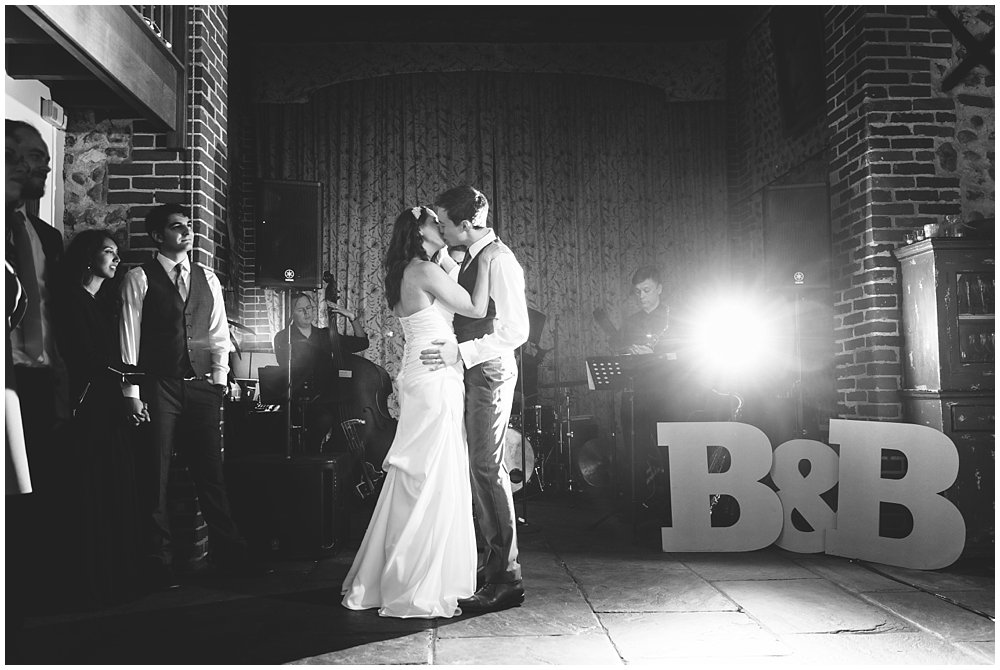 BROOKE AND BEN'S CHAUCER BARN WEDDING SNEAK PEEK - NORFOLK WEDDING PHOTOGRAPHER 22