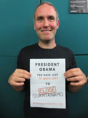 Sam Raphael of the University of Westminster reminding President Obama he had just 70 days left to close Guantanamo, on November 10, 2016 (Photo: Andy Worthington).