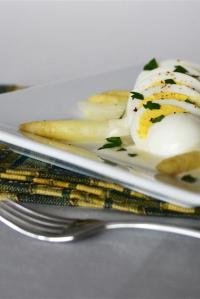 White Asparagus with Hardboiled Egg & Fontina Fondue