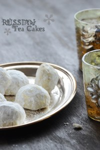 Russian Tea Cakes {7 Days of Festive Holiday Treats} and A $25 King Arthur Flour Giveaway