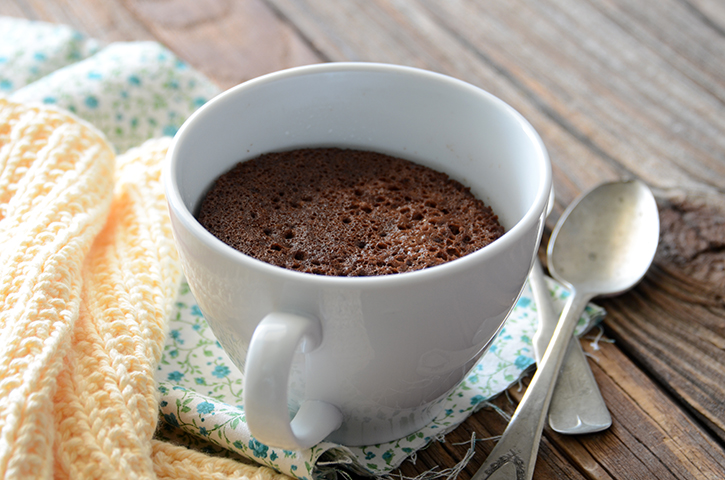 5-Minute Healthy Chocolate Mug Cake {Paleo} 3