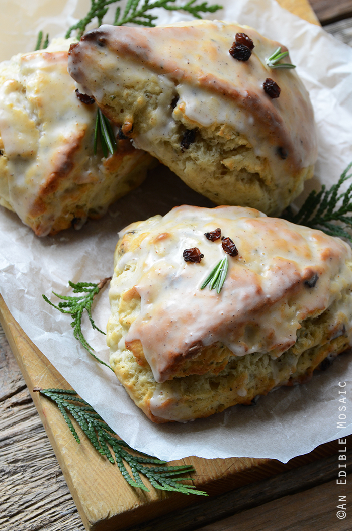 Christmas Morning Scones {aka Vanilla Bean, Nutmeg, and Rosemary-Scented Scones} 4