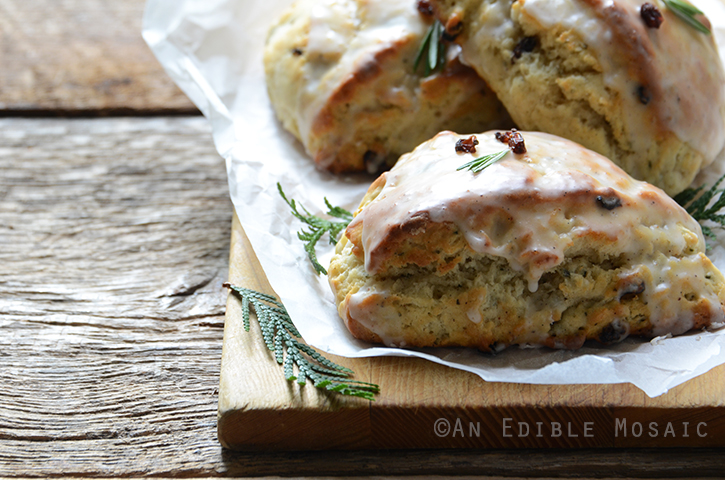 Christmas Morning Scones {aka Vanilla Bean, Nutmeg, and Rosemary-Scented Scones} 5