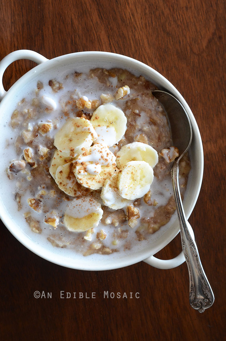 Banana Bread Oatmeal with Walnut and Date