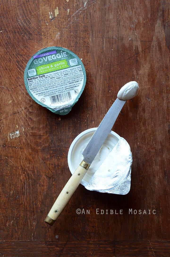 GO VEGGIE Chive and Garlic Vegan Spread and Dip Minis