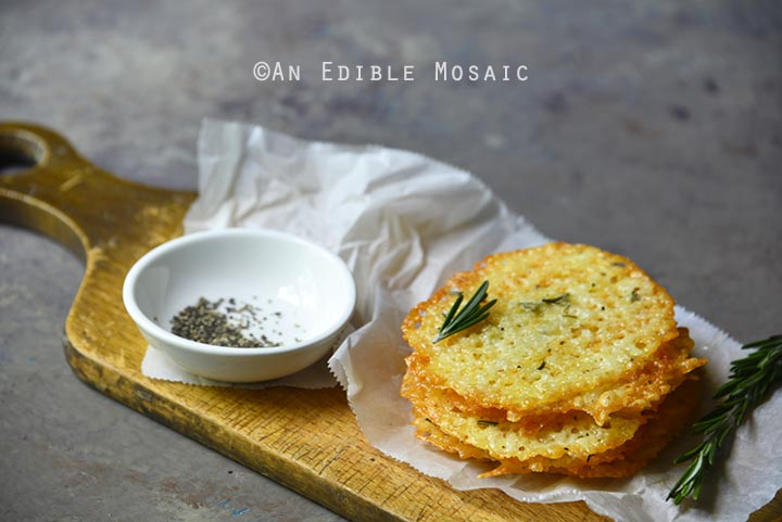 low-carb-white-cheddar-rosemary-crisps-3