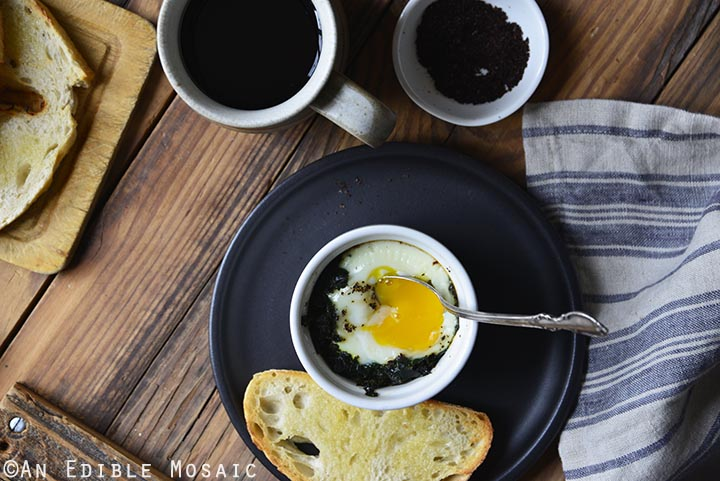 sumac-spiced-baked-eggs-with-kale-paleo-4