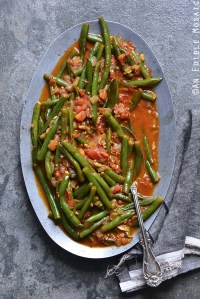 Middle Eastern Spiced Green Beans with Olive Oil and Tomato (Loubieh bil Zayt)