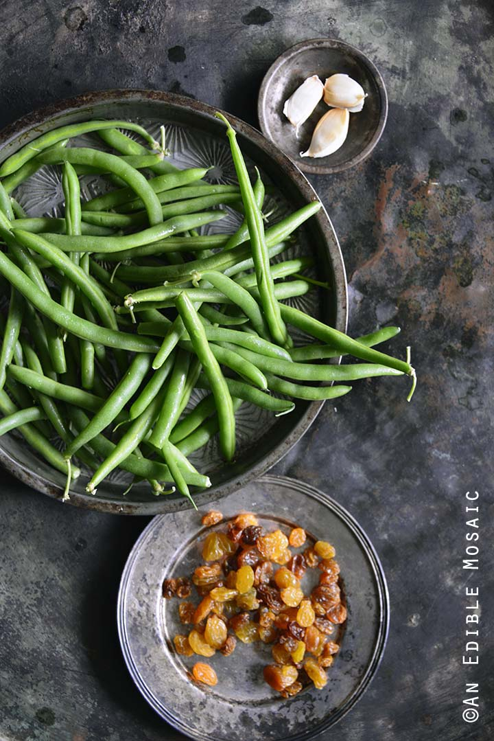 Ingredients for Green Beans with Garlic and Golden Raisins