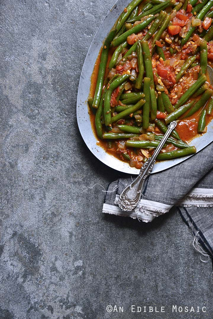 Middle Eastern Spiced Green Beans with Olive Oil and Tomato