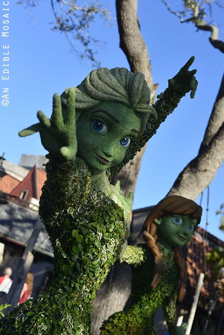 Anna and Elsa Topiary at Epcot