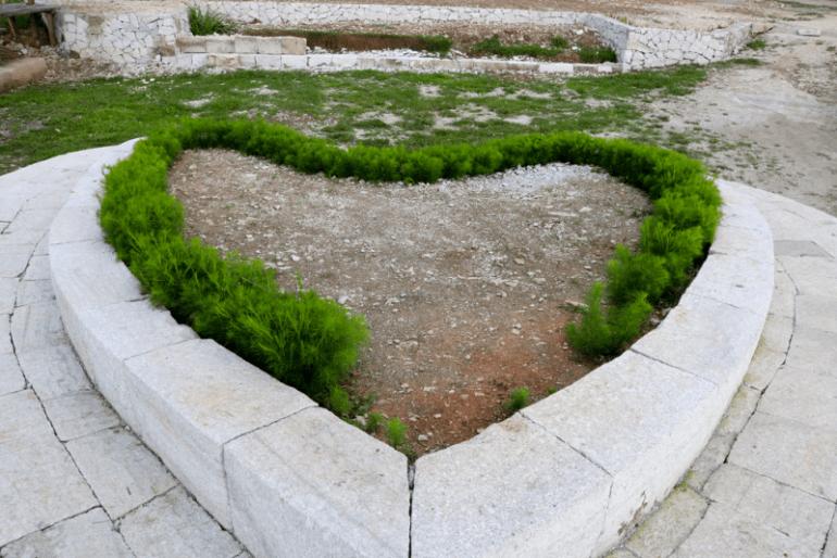 Batu cinta Tebing Breksi