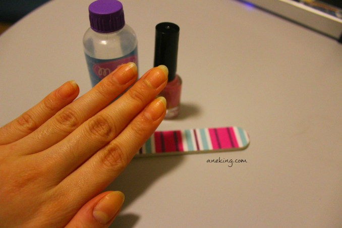 1. Prepare your nails. Clean it. Trim it. Buff it. Anything you want to do for it get ready for its new look.