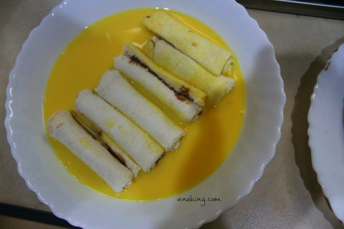10. Dip the rolls on the mixture of eggs and milk.
