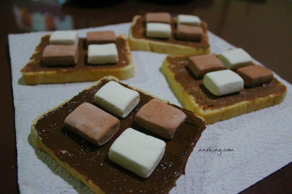 3. Place as many marshmallows as you want on top.