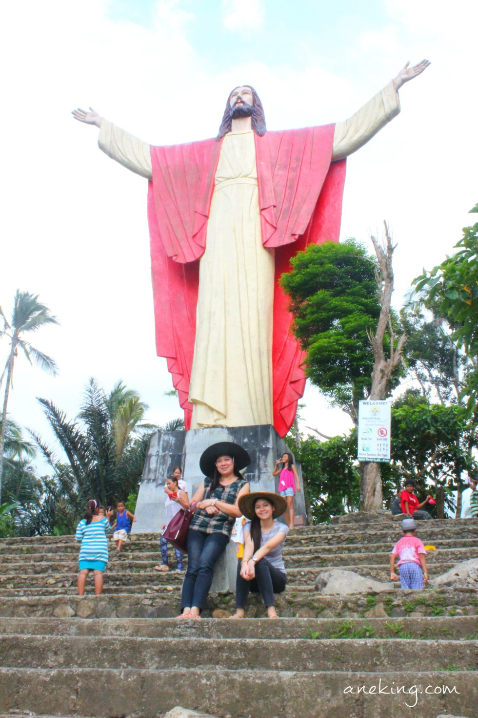 chilling on the peak of kamay ni hesus