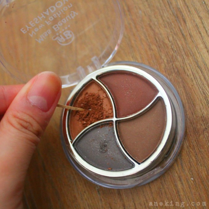 eyeshadow nail polish step 2