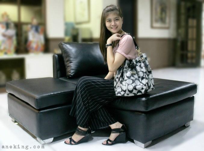 black-coach-shoulder-bag-2