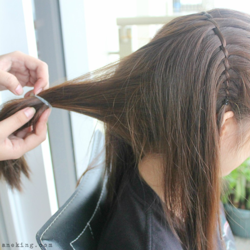 waterfall-braid-headband-step-10