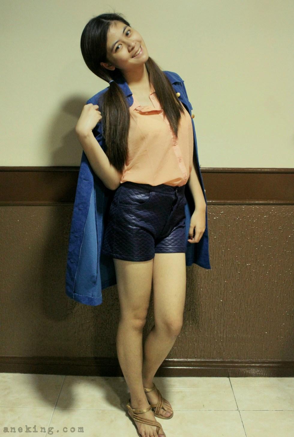 ways to wear blue coat 2