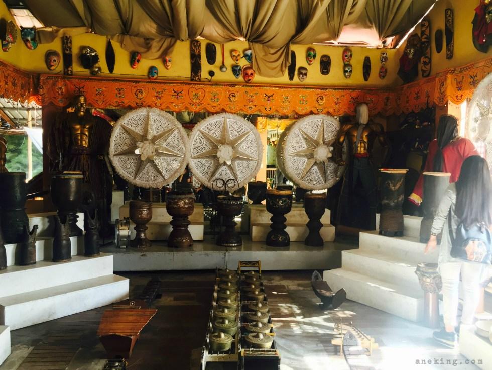 Bale-Balayan music room