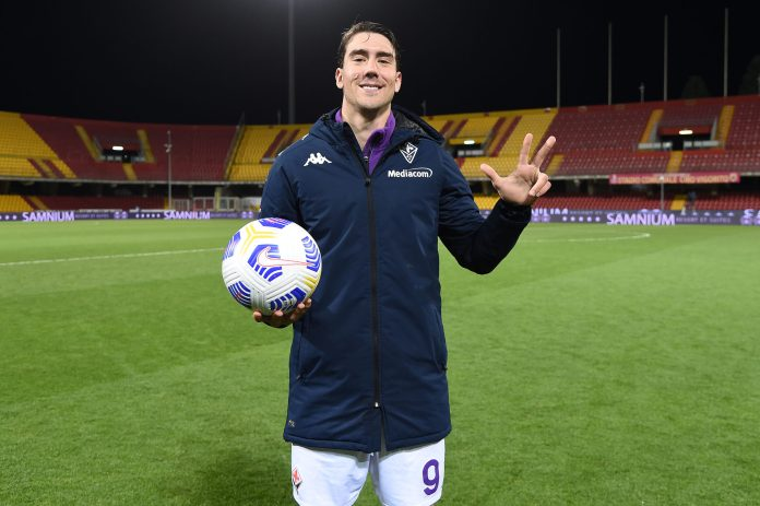 BENEVENTO, ITALY - MARCH 13: Dusan Vlahovic of AFC Fiorentina poses with the match ball after scoring a hat-trick during the Serie A match between Benevento Calcio and ACF Fiorentina at Stadio Ciro Vigorito on March 13, 2021 in Benevento, Italy.