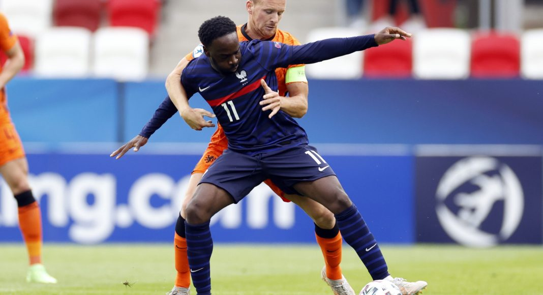 BUDAPEST - (lr) Jonathan Ikone of France, Dani de Wit of Holland during the UEFA EURO U21 quarter-final match between the Netherlands U21 and France U21 at the Bozsik Arena on May 31, 2021 in Budapest, Hungary.