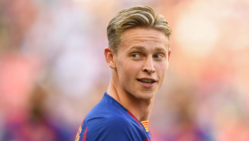 BARCELONA, SPAIN - AUGUST 04: Frenkie de Jong of FC Barcelona looks on prior to the Joan Gamper trophy friendly match between FC Barcelona and Arsenal at Nou Camp on August 04, 2019 in Barcelona, Spain. (Photo by David Ramos/Getty Images)