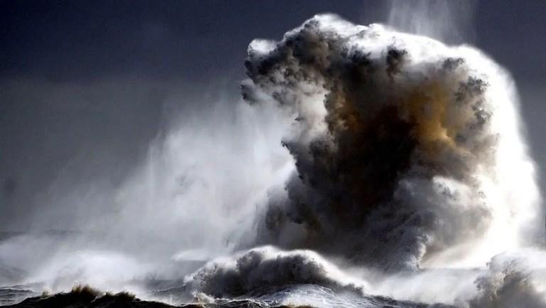 Lituya, la ola más grande de la historia y la Pororoca la ola más larga