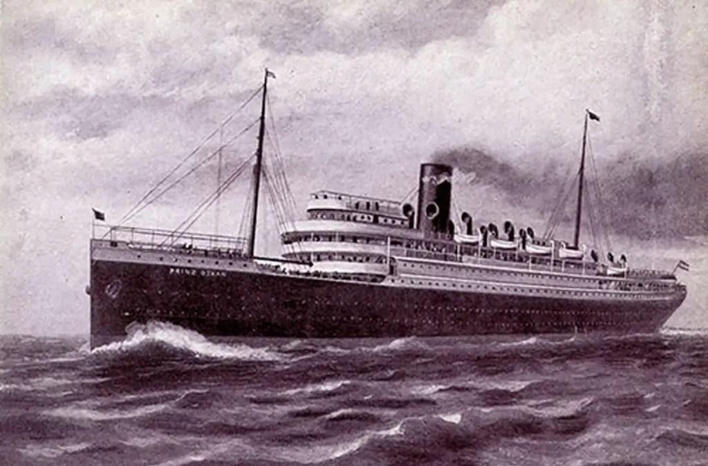 Fotografía de un barco antiguo.