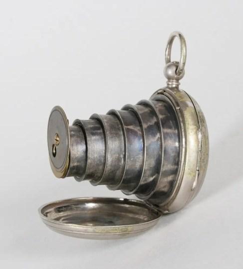 Reloj de bolsillo utilizado por los espías victorianos.