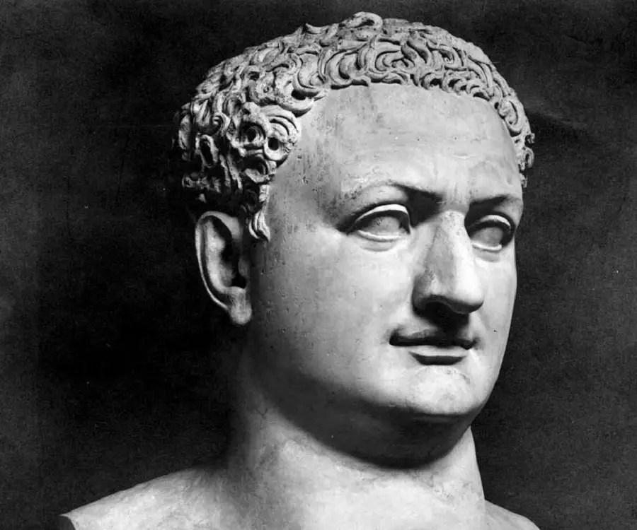 Estatua del emperador romano Tito.