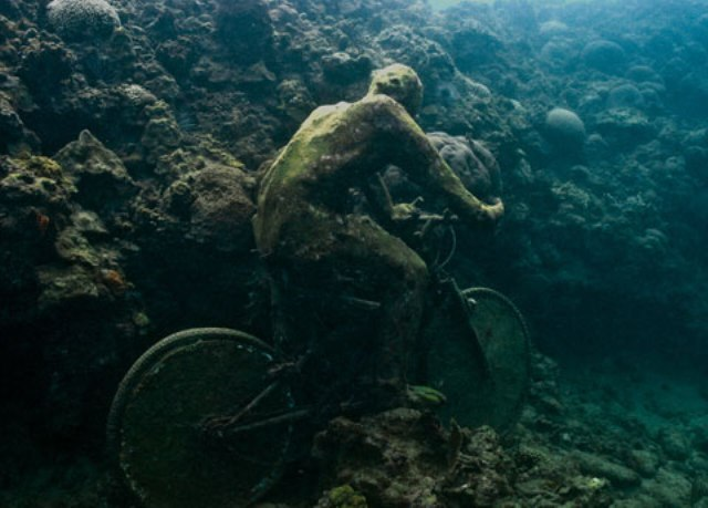 Fotografía de las estatuas sumergidas, el asombrosa arte submarina de Jason deCaires Taylor.