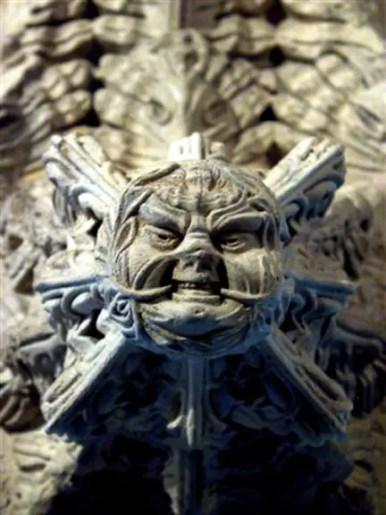 Fotografía de una de las gárgolas de Caithness.