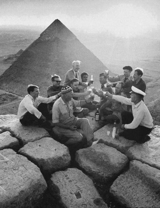 Brindis en las piramides.