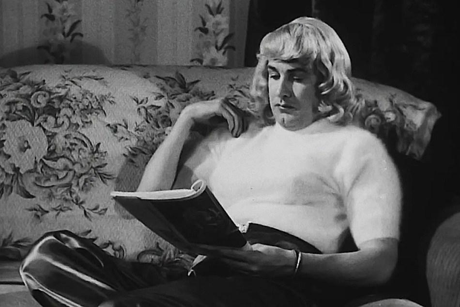 Captura de la película Glenn or Glenda.
