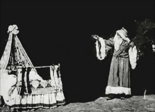 Escena de Santa Claus 1898, la primer película navideña.