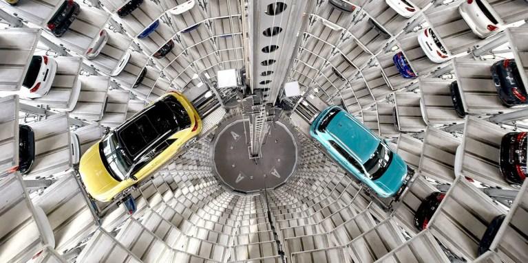 El Autostadt, la torre de automóviles de Volkswagen en Wolfsburg