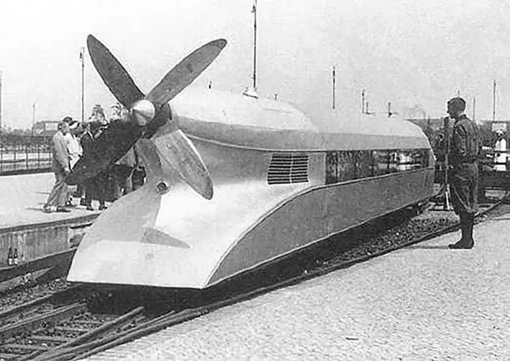 Fotografía de la parte trasera del Schienenzeppelin.