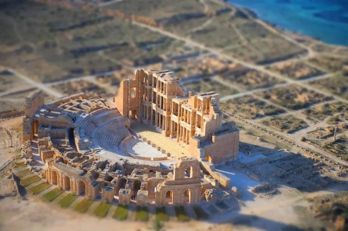 Imagen con el efecto visual tilt-shift aplicado al anfiteatro de Palmira.