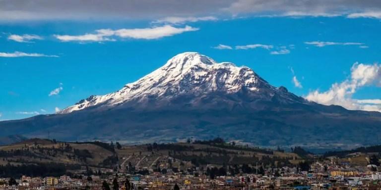 El volcán Chimborazo, el punto de la tierra más cercano al espacio