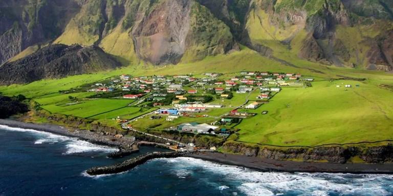 La isla Tristán da Cunha, el poblado más remoto del mundo
