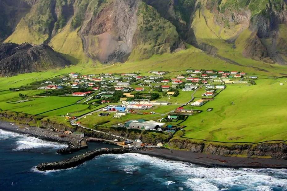 Vistas aérea del pueblo Tristán da Cunha.