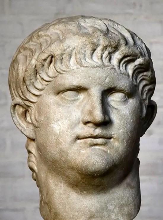 Busto del emperador romano Nerón.