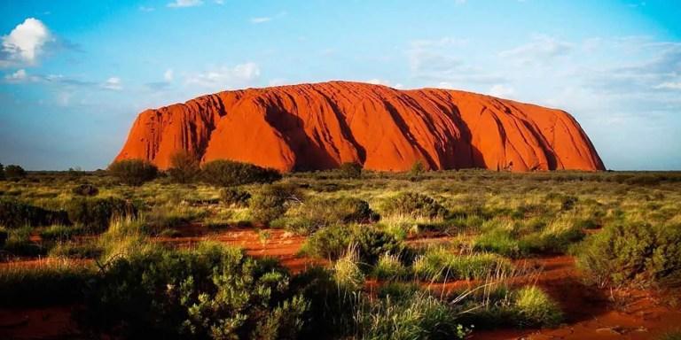 Rocas famosas, de la roca más grande del mundo a la roca más costosa